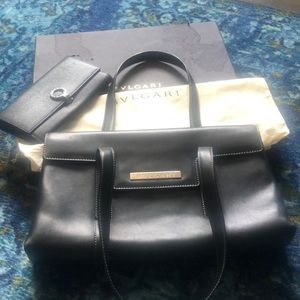 Gorgeous authentic Bvlgari purse and wallet set!